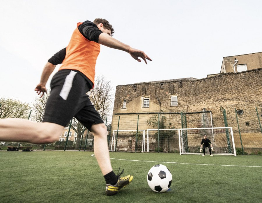 Jake's Story: Online Physio for a football-related knee injury