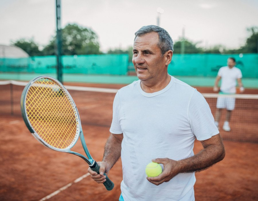 Common tennis injuries – and how to avoid them